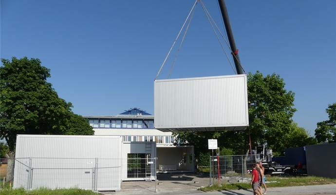ERWE Containersysteme - Container, Wohncontainer, Wohnmodule, Wohnbau, Modulbau, Mobile Gebäude, Containerhaus, Baucontainer, Baustellencontainer, Bürocontainer, Duschcontainer, Sanitärcontainer, Toilettencontainer, Materialcontainer, Lagercontainer, Raumzellen, Bankcontainer, Gastronomiecontainer, Security-Container, Mobile Klassenzimmer, Containergebäude, Verkaufscontainer, Raumcontainer, Mobile Festbauten, Materialcontainer, Mietcontainer und gebrauchte Container.