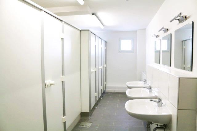 ERWE Containersysteme - Anwendungsbeispiel: Sanitärcontainer (Dusch- und WC-Container)